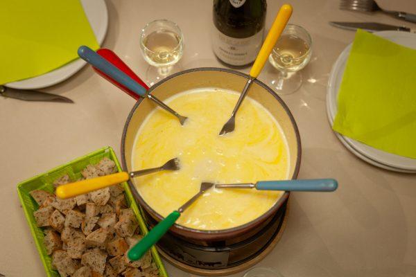 Fondue savoyarde aux fromages-1